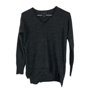 Tahari Merino Wool V-Neck Sweater Grey Size Small